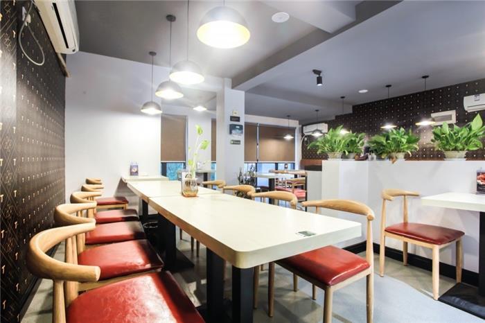 混搭餐厅酒楼装修设计效果图-丁丁麻辣烫